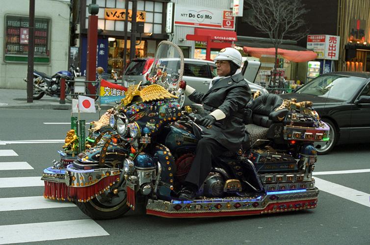 No limit à l'imagination pour les motos, Humour of course! - Page 5 Wtfty610