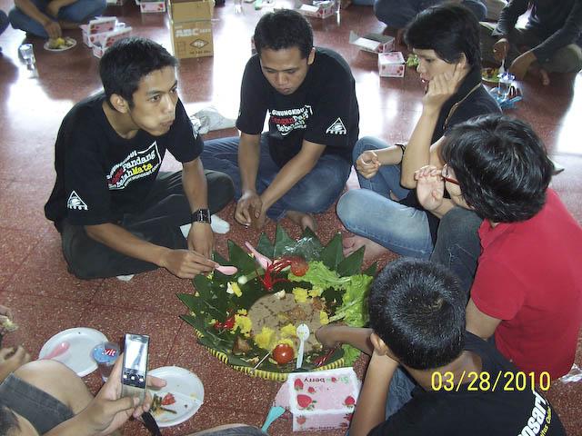 Woro woro  Member Fkogk se Interao Jagat Maya ( Gempita Ulang Tahun ) - Page 3 100_7990