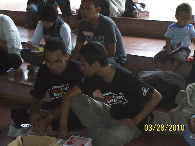 Woro woro  Member Fkogk se Interao Jagat Maya ( Gempita Ulang Tahun ) - Page 3 100_7991