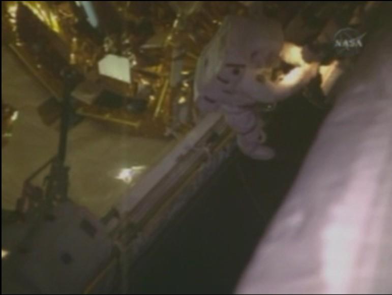 [STS-125] EVA - 5 - Page 2 Aquili10
