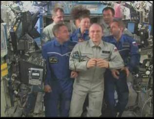 [STS-131 / ISS19A] Discovery : déroulement de la mission - Page 12 Conf10