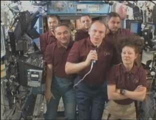 [STS-131 / ISS19A] Discovery : déroulement de la mission - Page 12 Confar11