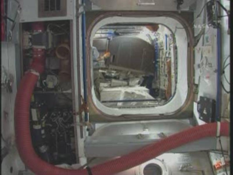 [STS-131 / ISS19A] Discovery : déroulement de la mission - Page 8 Daplac10
