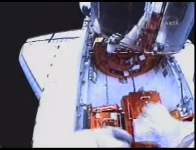 [STS-125] EVA - 3 - Page 2 Image_10