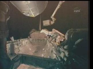 [STS-131] Discovery : EVA 3 Anderson & Mastracchio Sans_t44