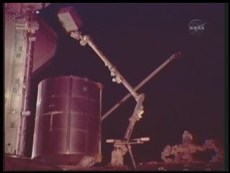 [STS-131] Discovery : EVA 3 Anderson & Mastracchio Sans_t45