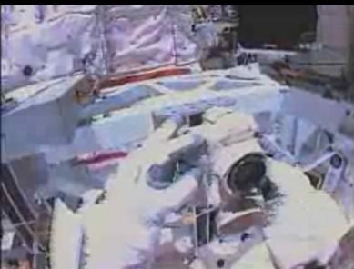[STS-131] Discovery : EVA 3 Anderson & Mastracchio Sans_t49