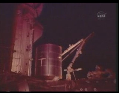 [STS-131] Discovery : EVA 3 Anderson & Mastracchio Sans_t54
