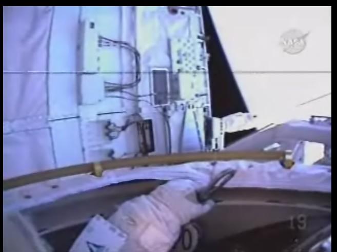 [STS-125] EVA - 4 - Page 3 Sortie10