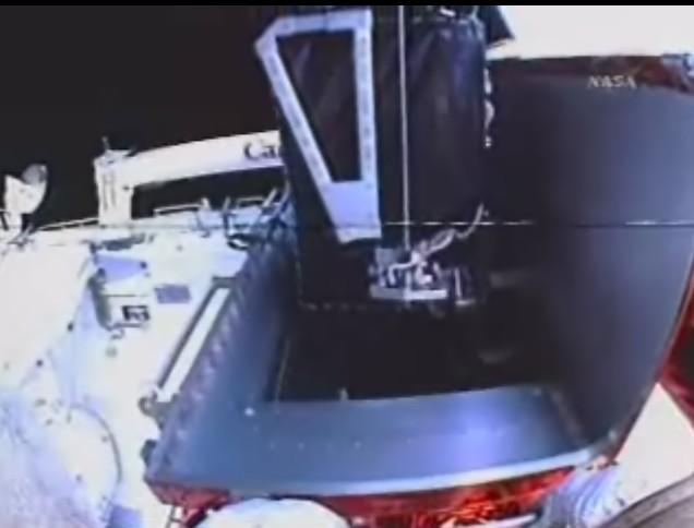 [STS-125] EVA - 1 Soute_10