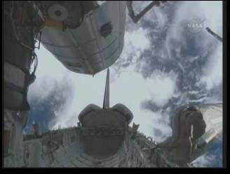 [STS-131 / ISS19A] Discovery : déroulement de la mission - Page 13 Soute_14