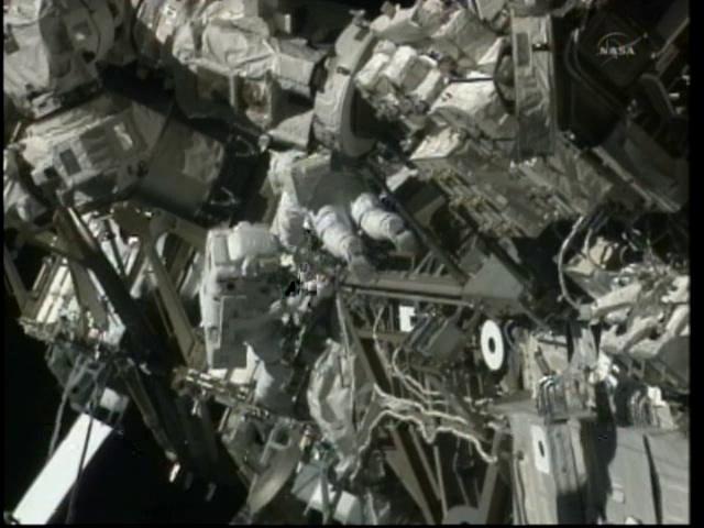 [STS-133] Discovery: Déroulement de la mission. - Page 5 Vlcsn108