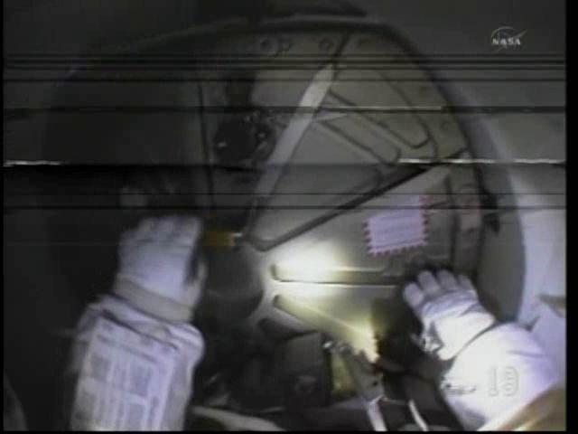 [STS-133] Discovery: Déroulement de la mission. - Page 5 Vlcsn112