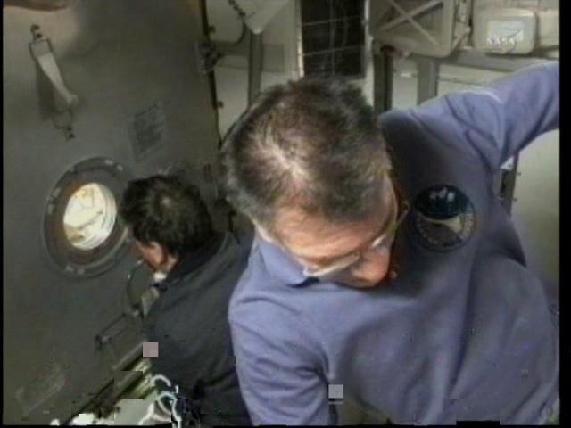[STS-133] Discovery: Déroulement de la mission. - Page 5 Vlcsn114
