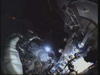 [STS-132] Atlantis : EVA 2, Steve Bowen et Mike Good. Vlcsna11