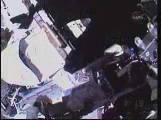 [STS-132] Atlantis : EVA 2, Steve Bowen et Mike Good. Vlcsna13