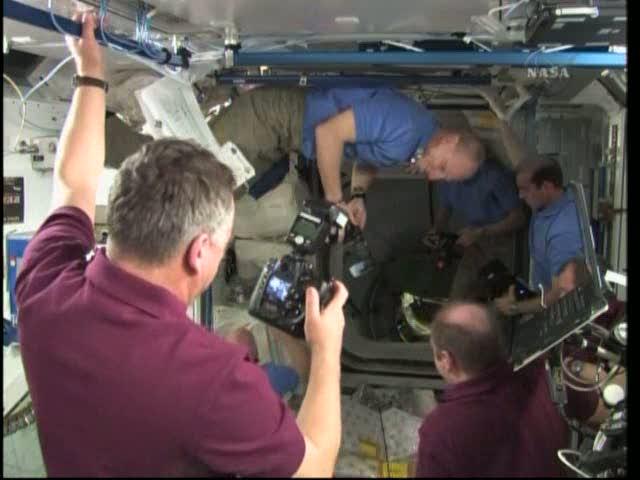 [STS-131 / ISS19A] Discovery : déroulement de la mission - Page 18 Vlcsna14