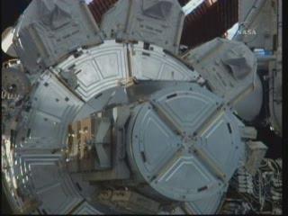 [STS-132] Atlantis : EVA 2, Steve Bowen et Mike Good. Vlcsna20