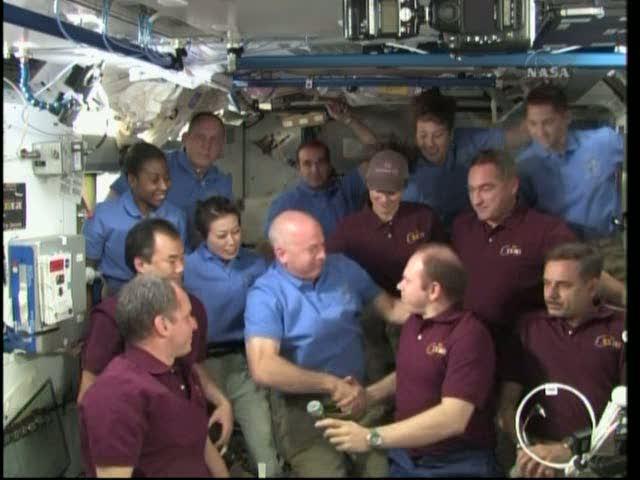 [STS-131 / ISS19A] Discovery : déroulement de la mission - Page 19 Vlcsna21