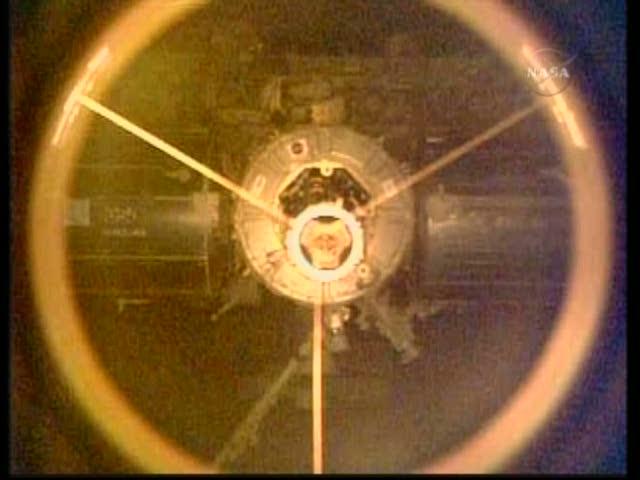 [STS-131 / ISS19A] Discovery : déroulement de la mission - Page 19 Vlcsna38