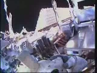 [STS-132] Atlantis : EVA 2, Steve Bowen et Mike Good. Vlcsna92
