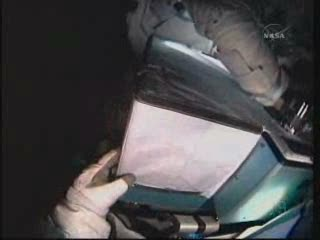 [STS-132] Atlantis : EVA 2, Steve Bowen et Mike Good. Vlcsna93