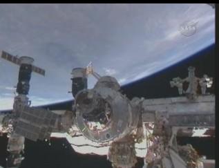 [STS-131 / ISS19A] Discovery : déroulement de la mission - Page 13 Vue_te10