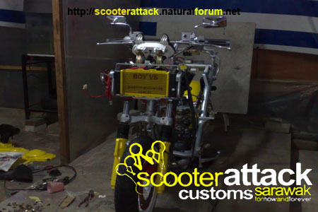 scooter-attack customs sarawak 04122010