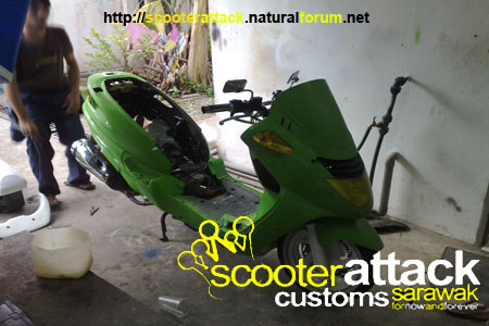 scooter-attack customs sarawak Boy1010