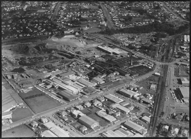 Crown Lynn's factory site Wa-67910