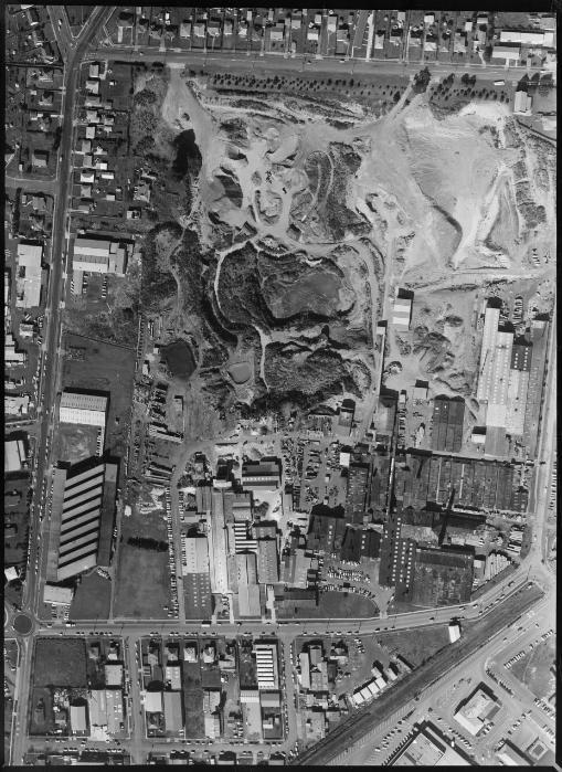 Crown Lynn's factory site Wa-68610