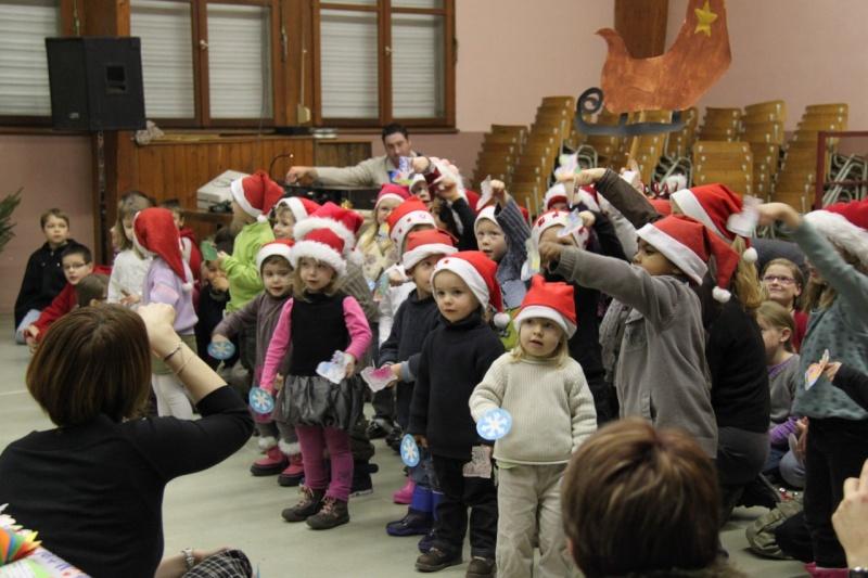Fête de Noël des écoles de Wangen le 10 décembre 2010 Img_0713