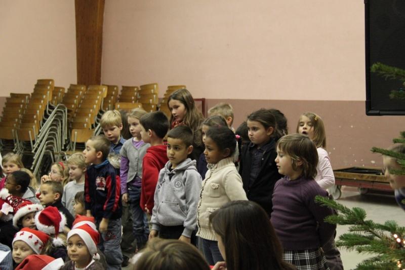 Fête de Noël des écoles de Wangen le 10 décembre 2010 Img_0716