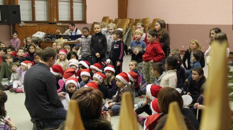 Fête de Noël des écoles de Wangen le 10 décembre 2010 Img_0720