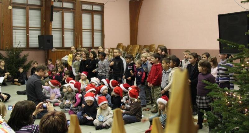 Fête de Noël des écoles de Wangen le 10 décembre 2010 Img_0721