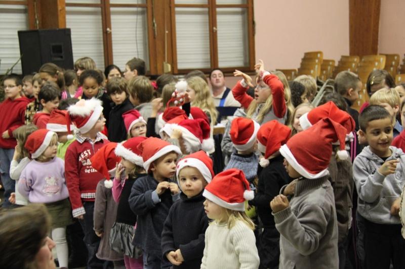 Fête de Noël des écoles de Wangen le 10 décembre 2010 Img_0730