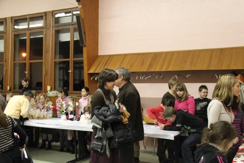 Fête de Noël des écoles de Wangen le 10 décembre 2010 Img_0816