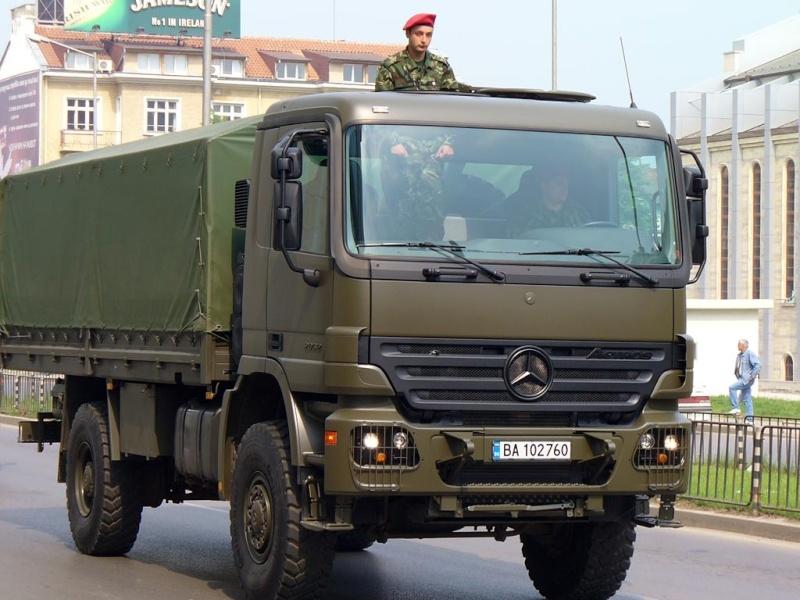 سياسة التسلح الجزائرية الحاضر والمستقبل   شامل (تم التجديد) - صفحة 3 Actros11