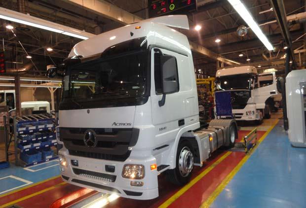 بعض انواع الشاحنات التى تعاقدت عليها الجزائر من شركة  EMPL المانيا  Actros14