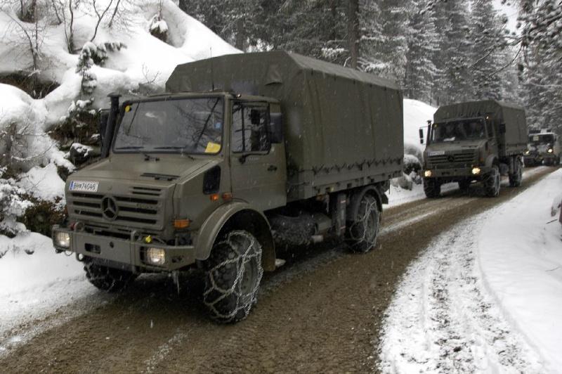 بعض انواع الشاحنات التى تعاقدت عليها الجزائر من شركة  EMPL المانيا  U3000-11