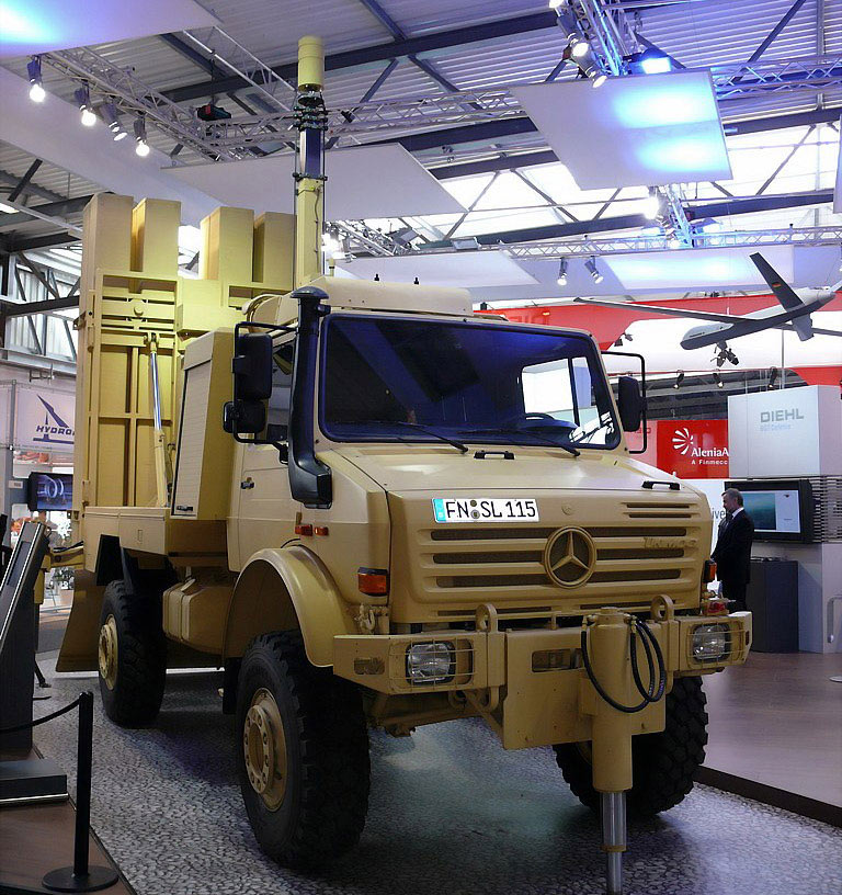 بعض انواع الشاحنات التى تعاقدت عليها الجزائر من شركة  EMPL المانيا  U3000-12