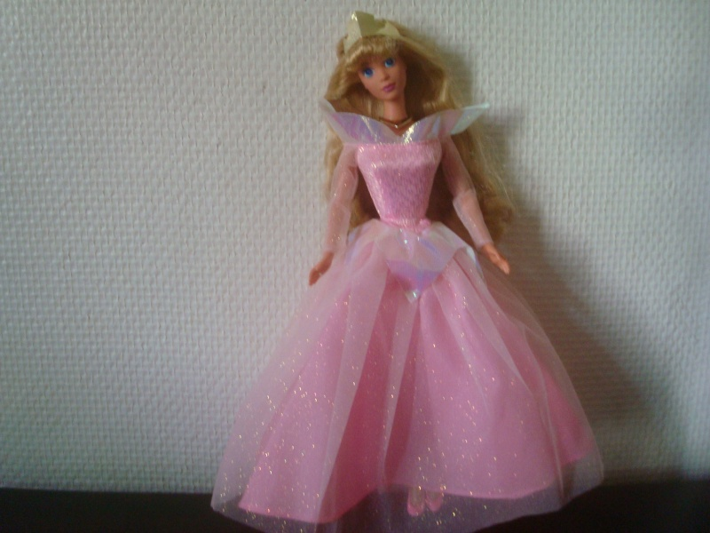 Ma collection des poupées des films de DISNEY - Page 2 Dsc03216