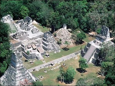LES 7 MERVEILLES DU FORUM Tikal10