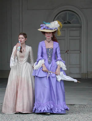 La Marquise Lucreze Van Necker de Beauville - Page 4 Rivomb10
