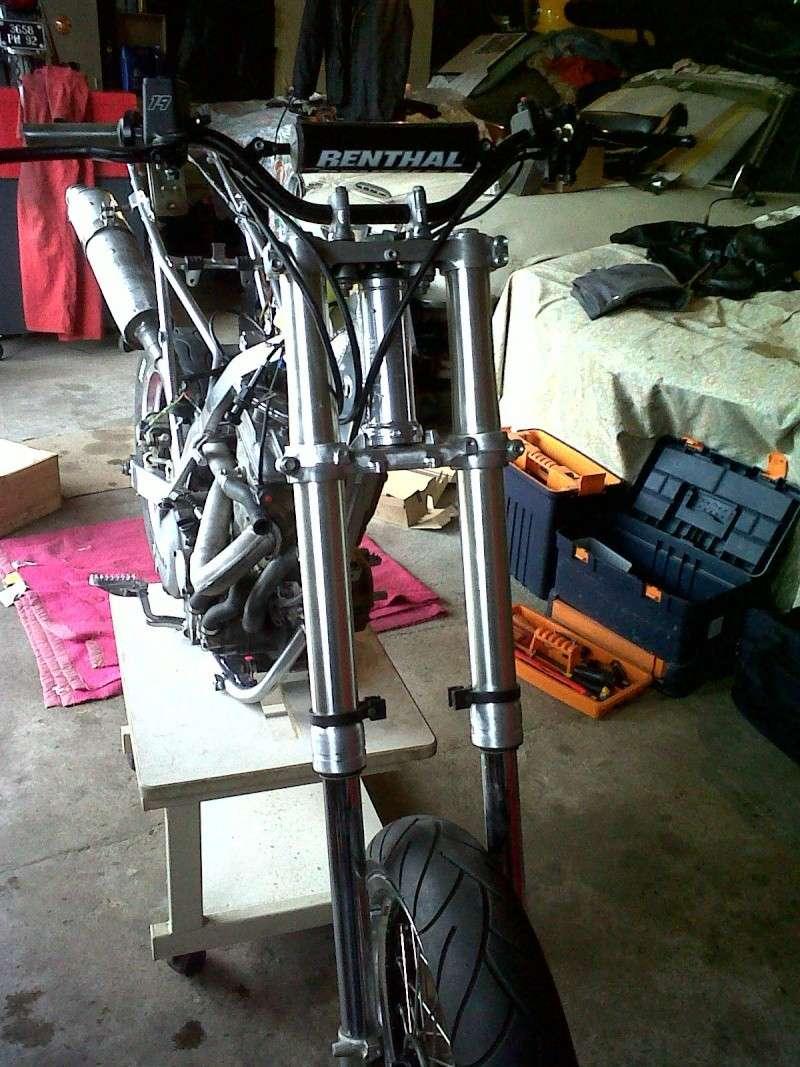 Restauration de mon KLX 650 R Supermotard !!! Img00012