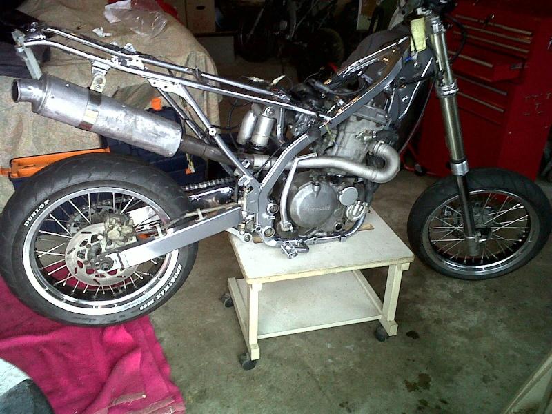 Restauration de mon KLX 650 R Supermotard !!! Img00013
