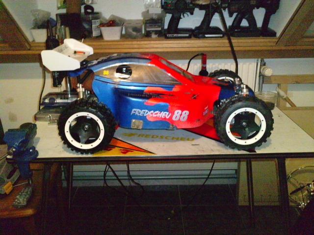Mon HARM BX2 1/5 26cc... a rafraichir! ;-) P1511110