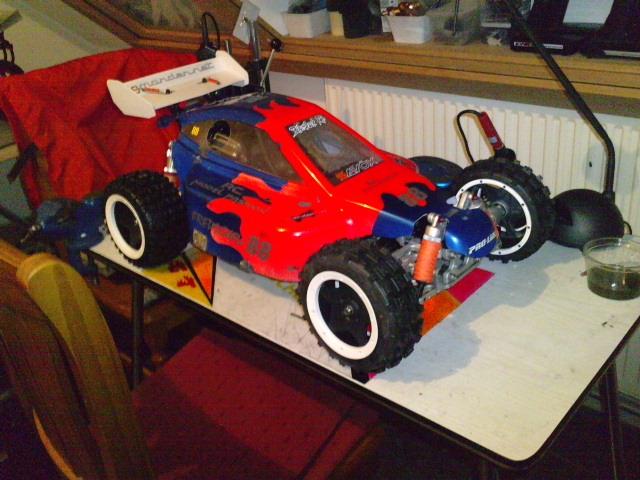 Mon HARM BX2 1/5 26cc... a rafraichir! ;-) P1511111