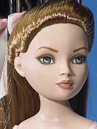 2006 - Ellowyne Wilde - Essential Ellowyne Redhead 16_3_10