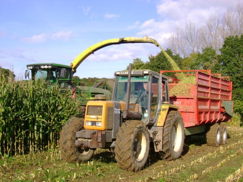 Ensilage de maïs 2008 - Page 4 Dsc04811